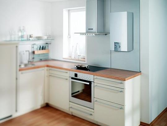 Фото: Газовая колонка на кухне