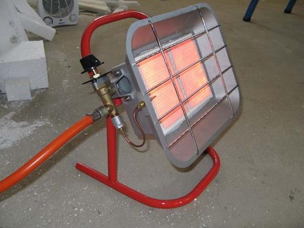 Фото: Газовый обогреватель для гаража